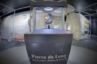 Quai du Systeme solaire 2_Pierre Lune_